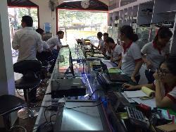 Sửa máy tính tại nhà Tố Hữu, Trần Hữu Dực, Trần Văn Cẩn, Trần Văn Lai